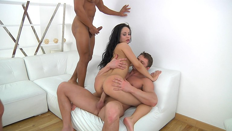Foursome-with-drunk-girl,-x-video