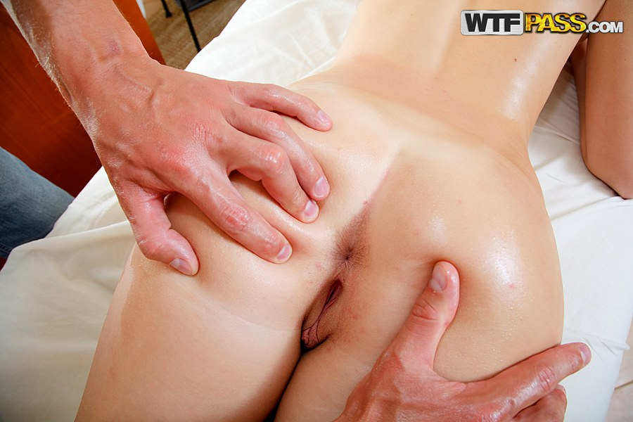 nude butt massage