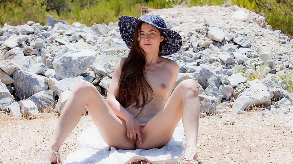 Beautiful brunette girl porn movie